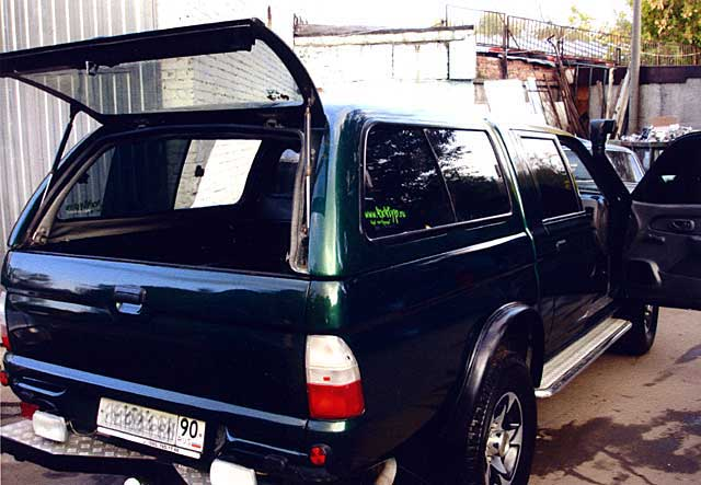 Профессиональный кузовной ремонт и качественная покраска полностью восстановили внедорожник